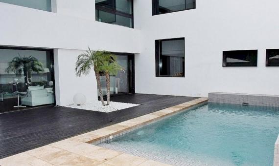 Exclusive villa for sale in luxury area Gava Mar just 200 meters from the beach | 6-lusa-villa-gava-7jpg-570x340-jpg