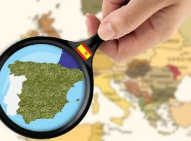 The dynamics of real estate prices in Spain