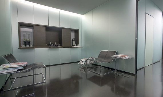 Commercial premises for sale with a tenant in the center of Barcelona 50 m from Paseo de Gracia   2-570x340-jpg