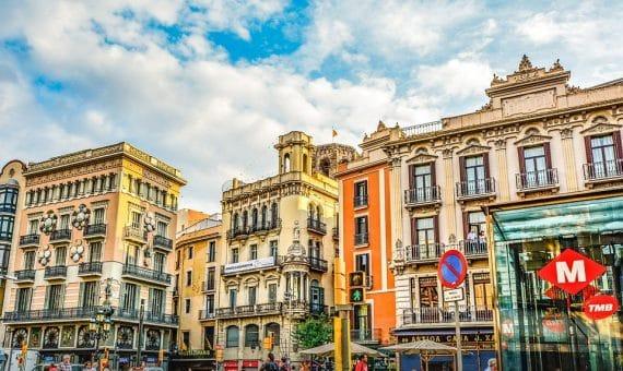 Residential building in the historic center of Barcelona El Raval | la-rambla-barcelona-570x340-jpg