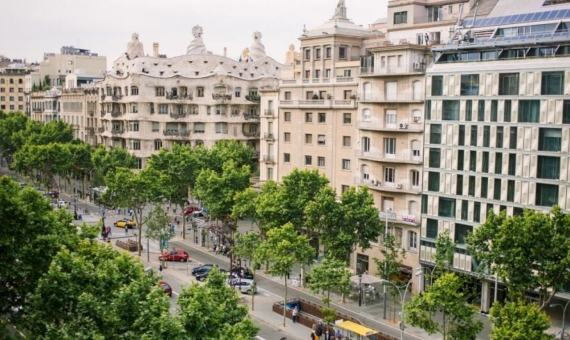 A plot with a building in Eixample | 826a5d2ce1-570x340-jpg