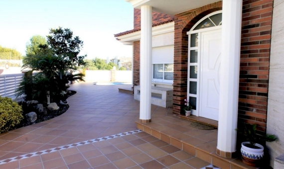 Magnificent new house only 1 km from the beach in Calafell | 02-fileminimizer-570x340-jpg