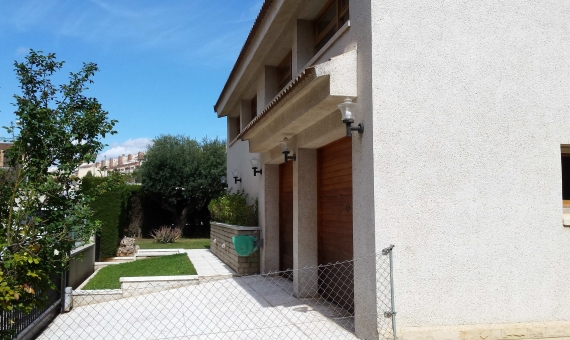 Elegant house for sale in the center of the town of Vendrell | 1-3-570x340-jpg