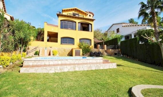 Villa with private pool on Costa Dorada | 2-570x340-jpg