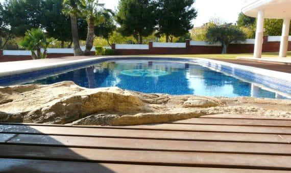 Villa with a plot of 2.000 m2 with sea views   p1210967-fileminimizer-570x340-jpg