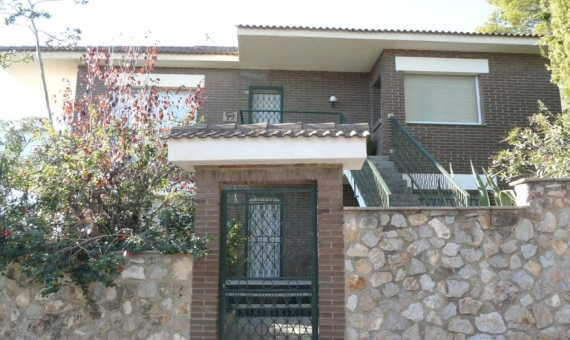 Detached house for 2 families with sea views | p1220199-fileminimizer-570x340-jpg