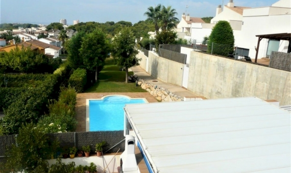 Townhouse close to the sea with garden and pool | p1200722-fileminimizer-570x340-jpg