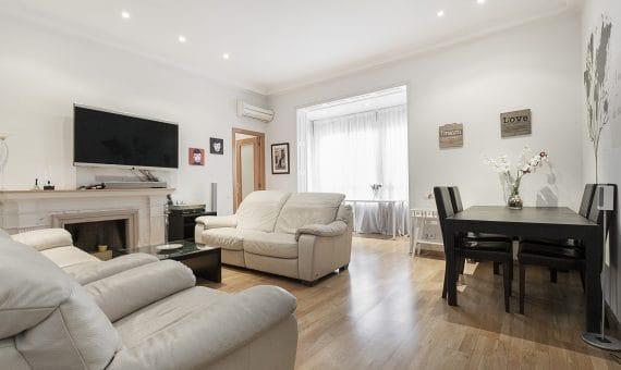 Cozy apartment in the heart of Barcelona on Rambla de Catalunya   1-570x340-jpg