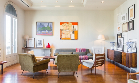 Luxurious apartment facing Casa Mila on Passeig de Gracia | image-3-min-570x340-jpg