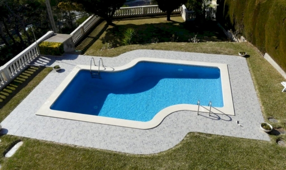 Magnificent townhouse with a garden and a pool | p1220884-fileminimizer-570x340-jpg