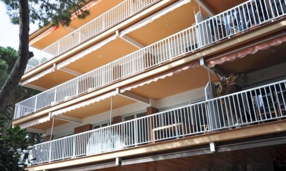 Apartment 144 m2 with sea view 50 m from the beach  | propiedad-engav-piso-en-gav-mar-de-4-habitaciones-y-vistas-al-mar-1-570x340-jpg