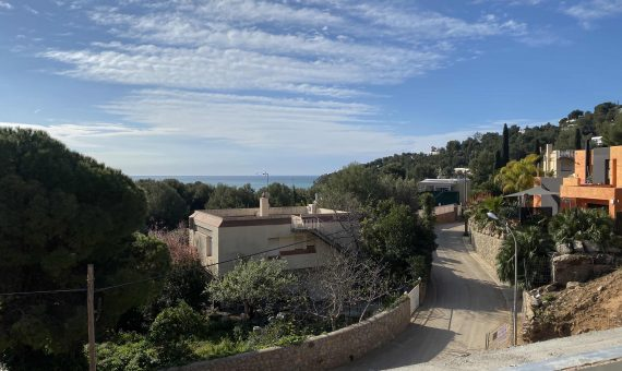 New construction homes close to the sea in Castelldefels   3