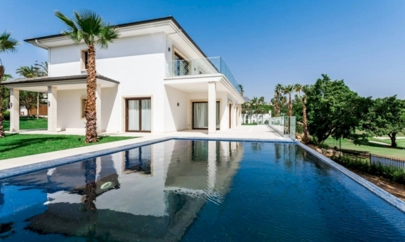 Villas 1023 m2 with infinity pools and tropical garden in Marbella | 1-570x340-jpg