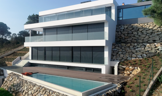 New construction villas 242 m2 with sea views in Begur | 20180803-diurnas-5-570x340-png