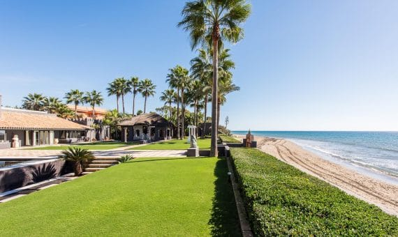 Villa in Marbella 1130.5 m2, garden, pool, parking   | 263-00441p_9834-570x340-jpg