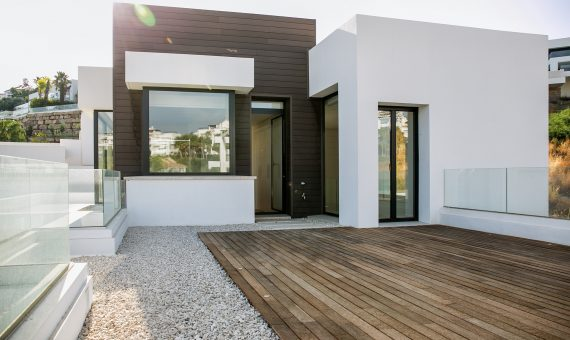 Villa in contemporary style with a land plot 1.248 m2 in Marbella | 9081-570x340-jpg