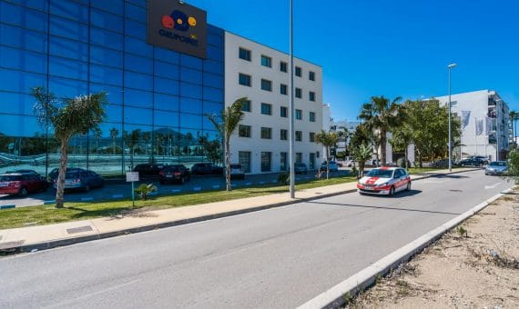 Office in Marbella 1252 m2   | 0e31dece-b0ed-4e44-abb2-9e12dd397867-570x340-jpg